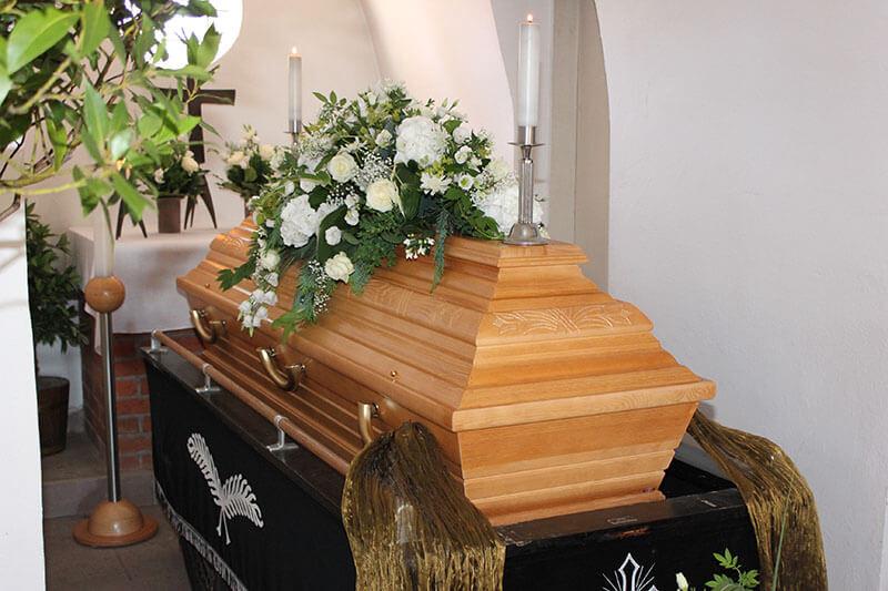 Särge vom Bestattungshaus Burmester